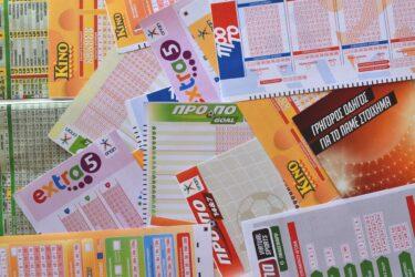 宝くじで1億円あたった人の末路【リスクを知ることが大事】